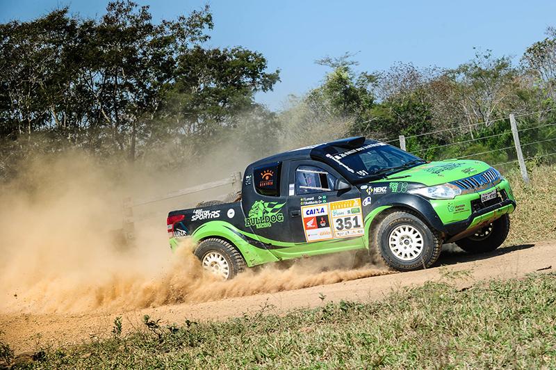 A Bulldog Racing deu um show dentro das trilhas e comemorou o segundo lugar  (Doni Castilho/DFOTOS)