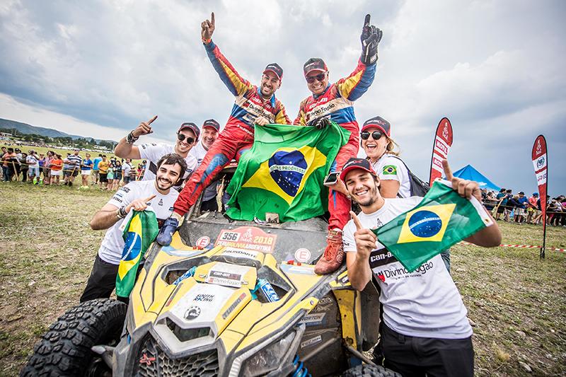 Reinaldo Varela e Gustavo Gugelmin são campeões do Rally Dakar 2018 com o UTV Can-Am Maverick X3.