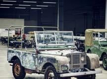 Land Rover começa a celebrar 70 anos restaurando veículo pré-produção perdido por seis décadas