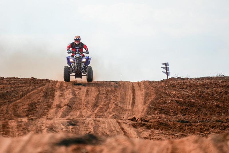 O roteiro foi um misto de características, com piso de areia e cascalho (Nelson Santos Jr/PhotoAction)