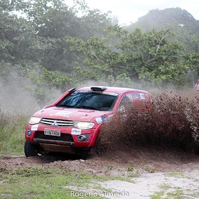 Maicon Soares e Daniel Rocha - dupla graduado Teresina carro 4x4 2