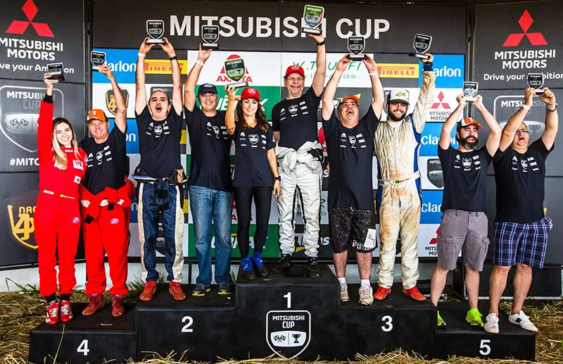 No final da etapa, os melhores de cada categoria sobem ao pódio - Foto: Tom Papp / Mitsubishi