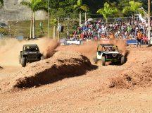 Adrenalina e disputas acirradas no Jeep Indoor e Gaiola Cross da XXVI Fenajeep