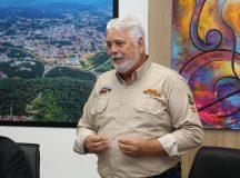 Prefeitura de Brusque assina termo de cessão de terreno para Fenajeep