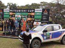 Vice-campeões da etapa de Jaguaríuna e novamente com o carro em destaque (Divulgação)