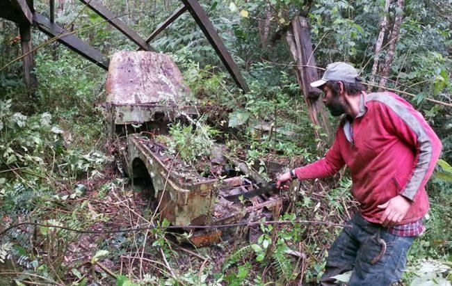 Jipeiros desvendam Jeep abandonado e casa mal assombrada no Vale do Ribeira