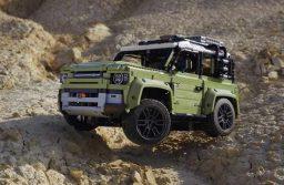 Land Rover anuncia parcerias com Musto e Lego na première mundial do novo Defender