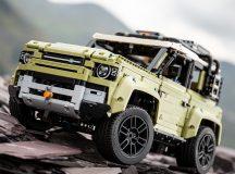 Novo Land Rover Defender chega ao Brasil, feito de LEGO