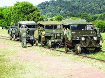 Jeeps militares antigos realizam missão em malha ferroviária do PR desativada