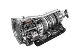 Transmissão plug-in híbrida de 8 velocidades da ZF equipa o novo Jeep® Wrangler 4xe