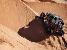 Brasileiros voltam a andar forte e chegam a liderar no Dakar