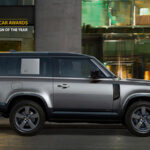 Land Rover Defender recebe prêmio World Car Design of The Year 2021