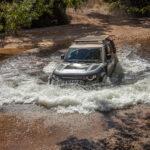 Land Rover Defender completa um ano de vendas no Brasil e estreia nova linha 2022